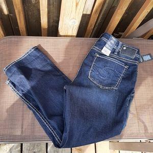 Size 16 nwt Silver suki blue jean capri.